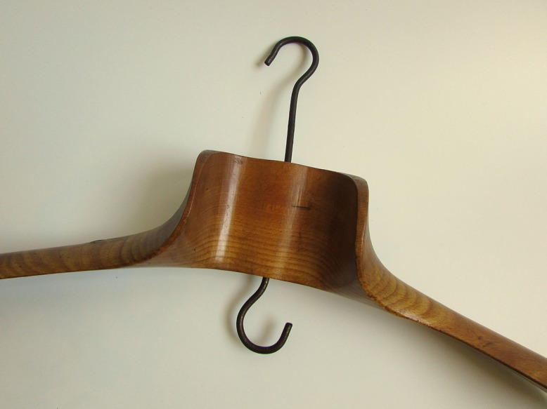 cecile-chaumeil-les objets-poetiques-porte-manteau-9