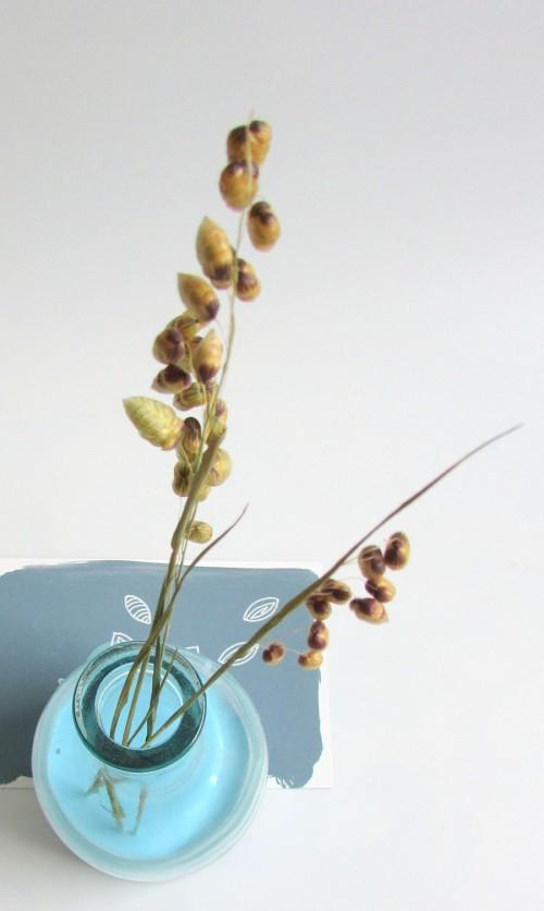 brindilles-objets-vase-bleu-poetiques-vue-3