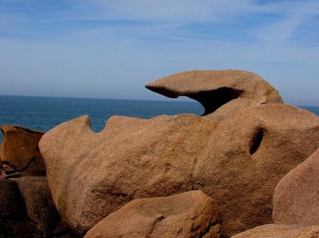 cote-de granit-rose-rochers-objets-poetiques-vue-5