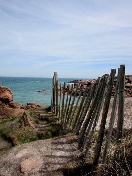 cote-de granit-rose-rochers-objets-poetiques-vue-11