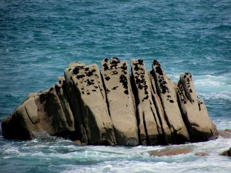 cote-de granit-rose-rochers-objets-poetiques-vue-14