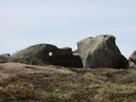 cote-de granit-rose-rochers-objets-poetiques-vue-12